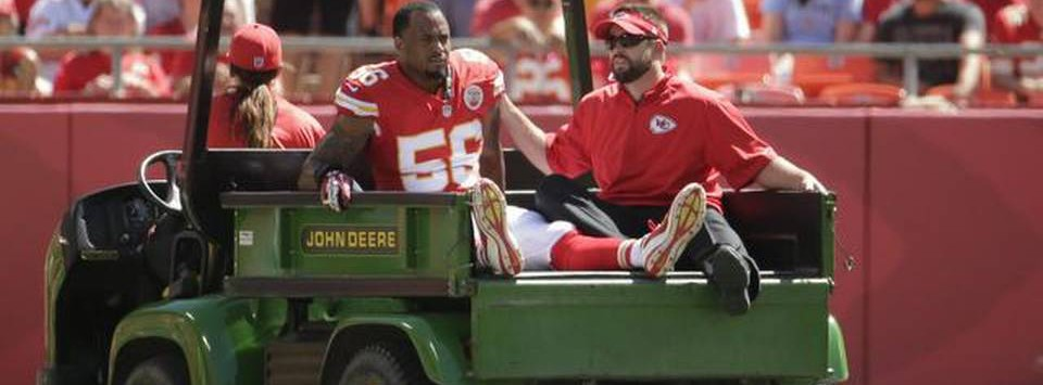 Derrick-Johnson-injury
