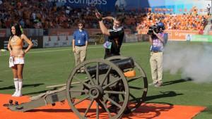 Houston Dynamo efectúa el disparo de El Capitán